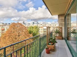 NEUILLY APPARTEMENT FAMILIAL 3/4 CHAMBRES